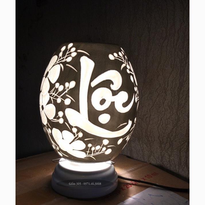 Đèn xông tinh dầu Bát Tràng khắc chữ lộc thư pháp men màu