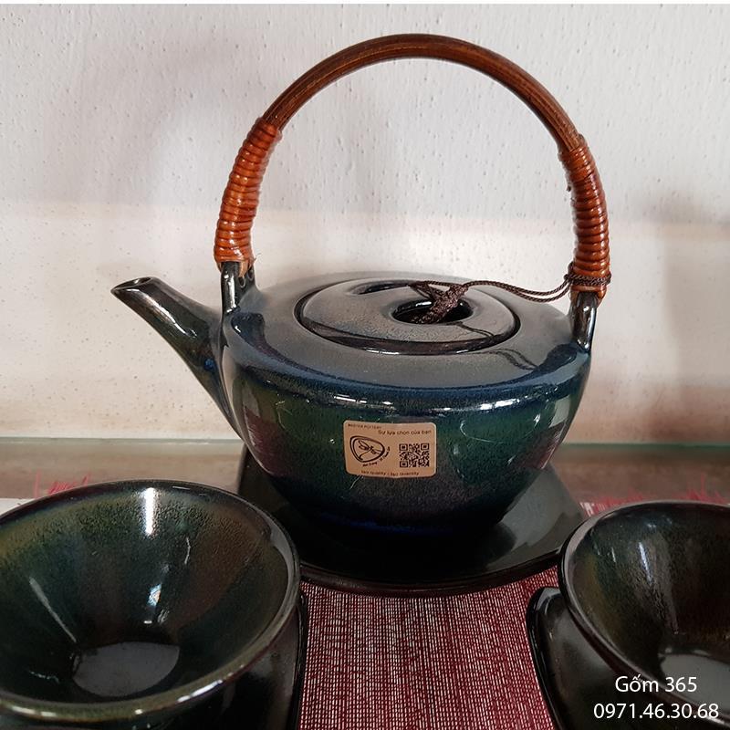 Ấm pha trà Bát Tràng men hỏa biến ngọc thỏ dáng loe