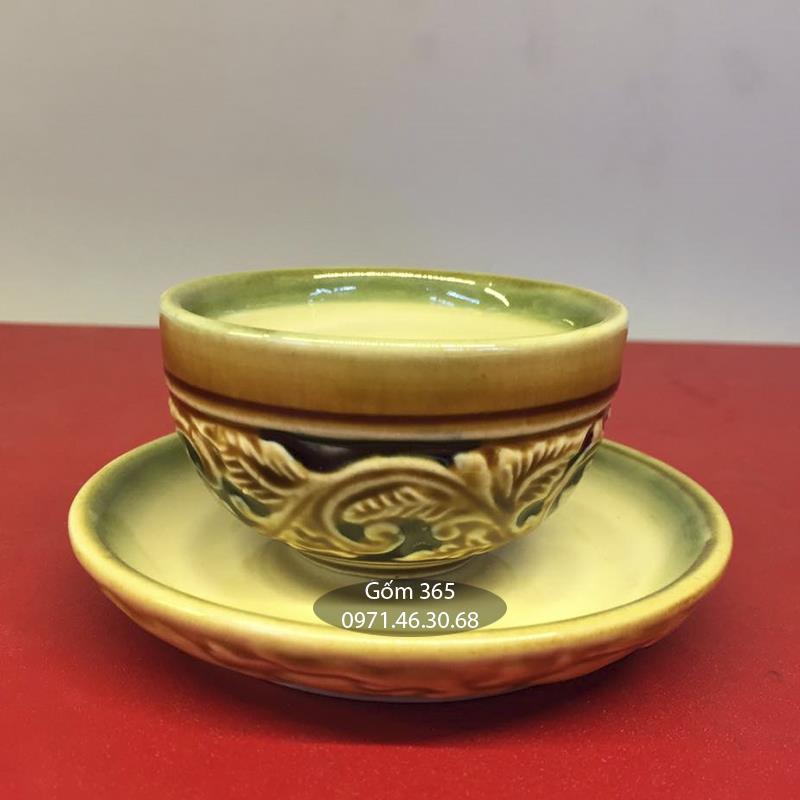 Bộ tách trà khắc nổi hoa phù dung men vàng
