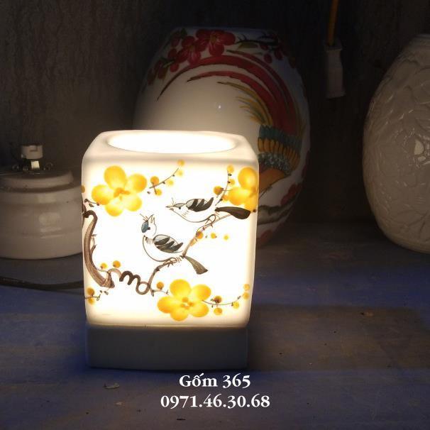 Đèn xông tinh dầu Bát Tràng dáng vuông DX023