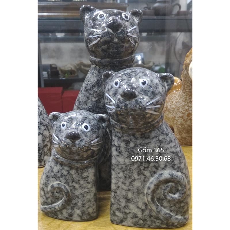 Tượng con giống Bát Tràng - Gia đình mèo hạnh phúc giả đá mẫu D02