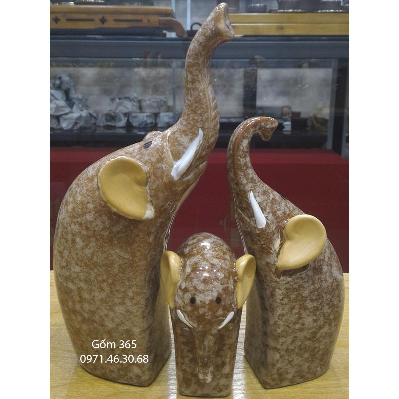 Tượng con giống Bát Tràng - Gia đình voi hạnh phúc giả đá D01