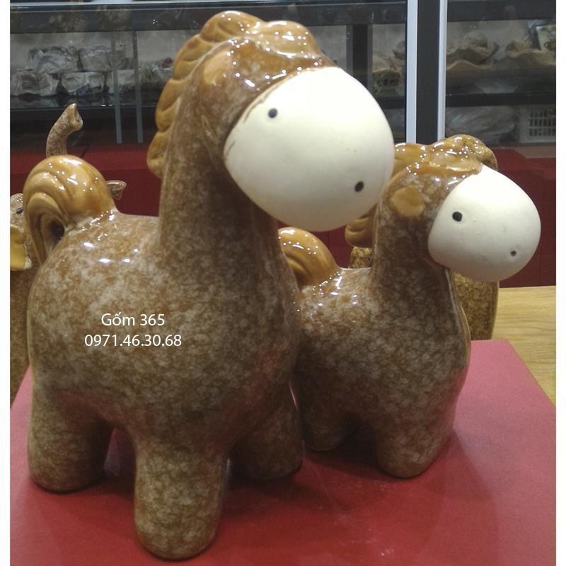 Tượng con giống Bát Tràng - Ngựa mẫu tử giả đá